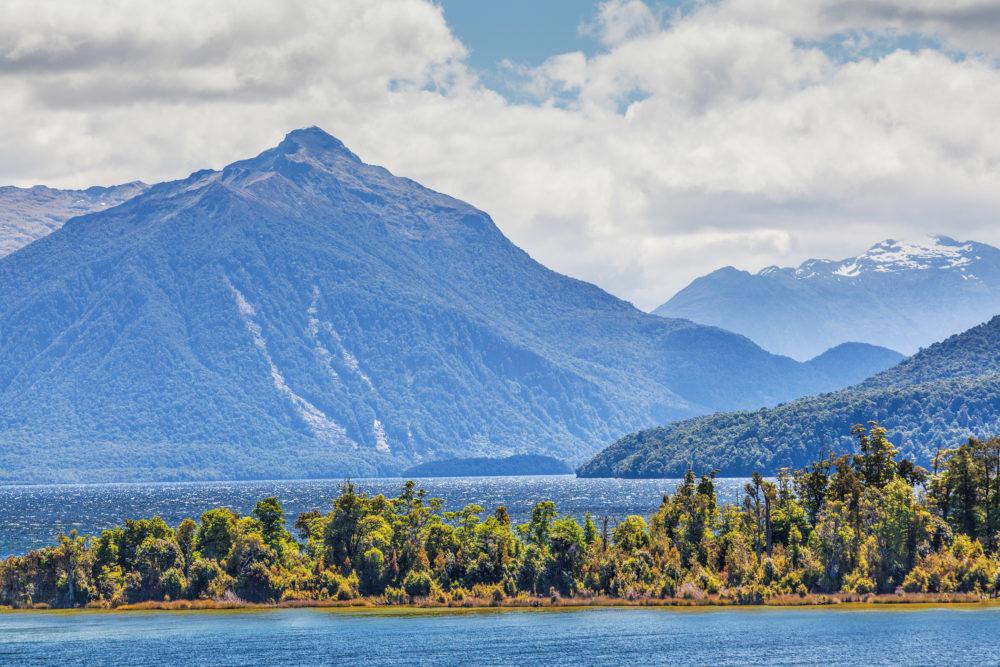 Lake Manapouri and surrounding Mountains, Fiordland, South Island, New Zealand