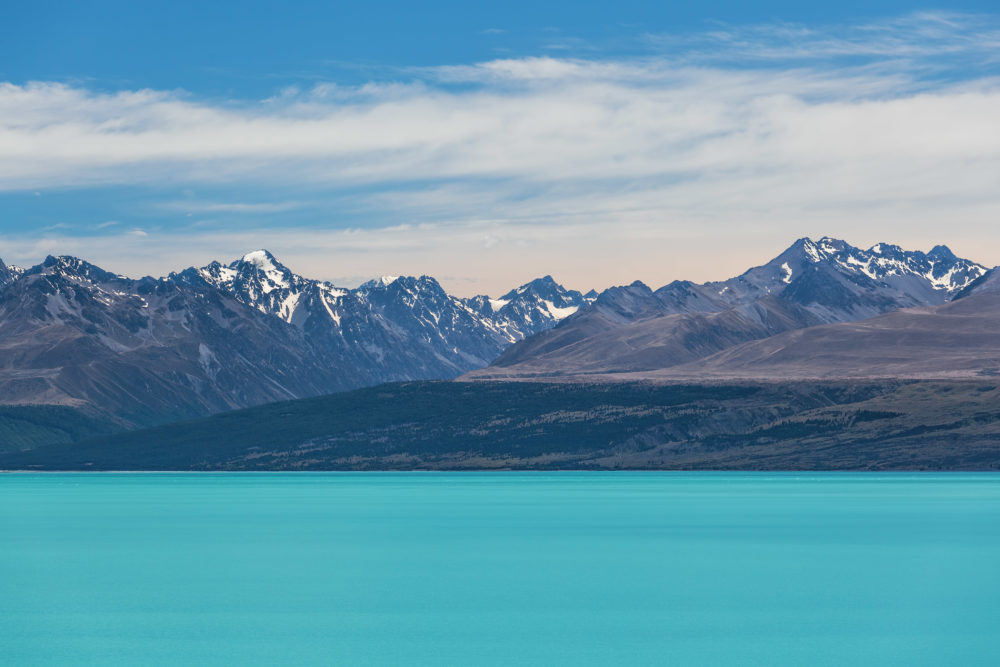 Magnificent Lake Tekapo and snow-capped Southern Alps, Canterbury, New Zealand