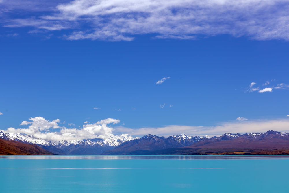 Turquoise Lake Tekapo and snow-capped Southern Alps, Canterbury, New Zealand