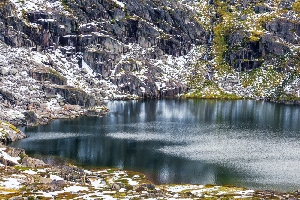 Blue lake at Mount Kosciuszko National Park, Australia