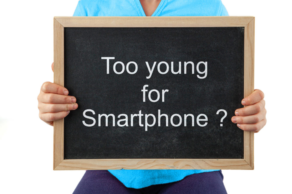When to give your children smartphones.